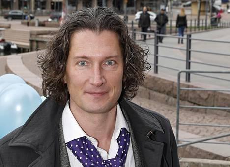 Tomi Metsäketo kuvattiin toukokuussa Helsingissä.