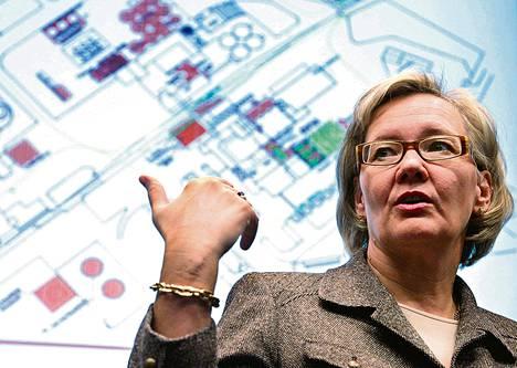 Altian silloinen pääjohtaja Leena Saarinen esitteli syyskuussa 2006 yhtiön Koskenkorvan-tehtaan laajennussuunnitelmia. Keväällä 2007 Altian hallitus perui investoinnin. Hieman myöhemmin Saarinen erosi Pekka Timosen vaatimuksesta.