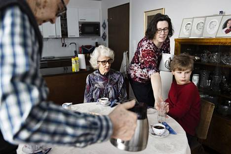 Grandparents and their grandchildren Michael Power, 10, finally meet each other.  Grandparents Anja-Kaisa Luoto, 83 and Esko Luoto, 87, have now received both doses of the vaccine.