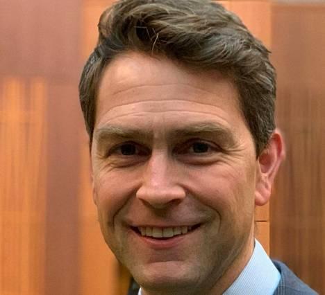 William Amos edustaa Quebecin provinssin Pontiacin vaalipiiriä edustajainhuoneessa, joka on Kanadan parlamentin alahuone.