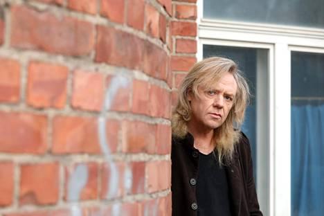 Jussi Hakulinen korostaa, että hänen laulujaan saa yhä esittää muistokonserteissa, jos hänen ehtonsa täyttyvät.
