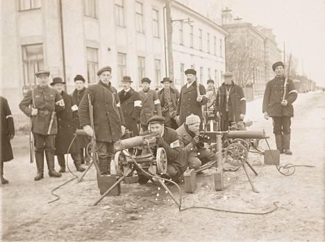Vaasan suojeluskunta sisällissodan alussa vuonna 1918.