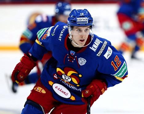 Steve Moses on 16 maalillaan KHL:n maalipörssissä toisena.
