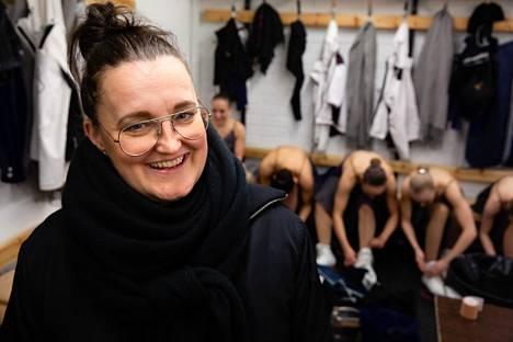 Mirjami Penttinen on toiminut HSK:n muodostelmaluistelijoiden päävalmentajana. Edustusjoukkue Team Unique voitti MM-kultaa Penttisen valmennuksessa vuonna 2013.