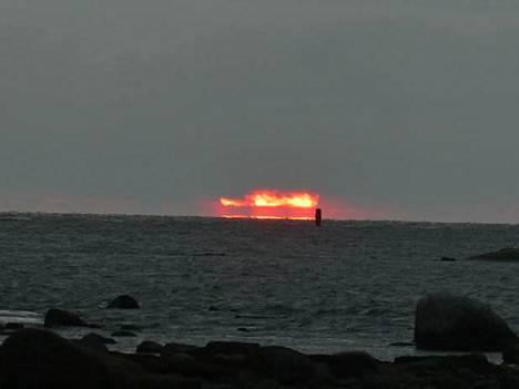 Joulukuun puolessavälissä taivas näytti olevan tulessa.