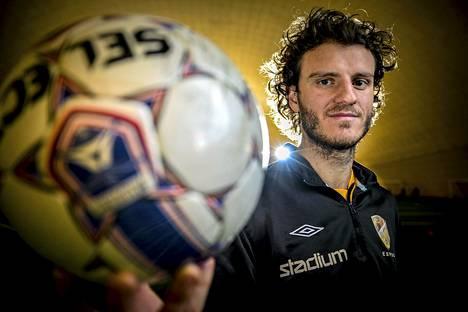 Hetemaj pelasi alkukauden 2014 lainalla FC Hongassa. Kun laina päättyi, solmi hän kahden vuoden sopimuksen AC Monzan kanssa.