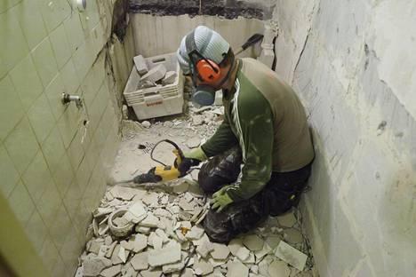 Uudet asbestisäädökset voivat vaikuttaa putkiremonttien aikatauluihin.