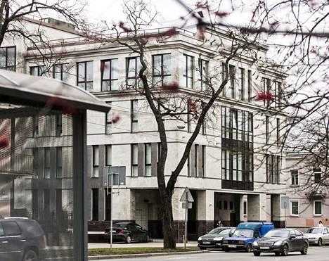 Pietarin trollikeskus sijaitsee Savuškinin kadulla kaupungin pohjoisosissa. Siellä työskennellään joka päivä, vuorokauden ympäri.