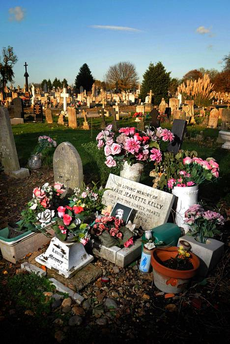 Viiltäjä-Jackin viimeisen uhrin Mary-Jane Kellyn hauta Leytonstonessa Koillis-Lontoossa. Kuva on vuodelta 2008.