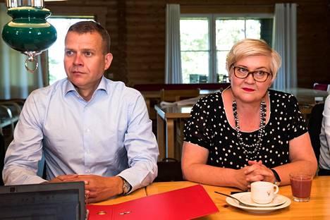 Valtiovarainministeri Petteri Orpo ja kunta- ja uudistusministeri Anu Vehviläinen vetäytyvät esikuntineen tulevana tiistaina viime vuoden tapaan laatimaan budjettiesitystä.
