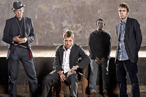 The Good, the Bad & the Queen eli Paul Simonon (vas.), Damon Albarn, Tony Allen ja Simon Tong.
