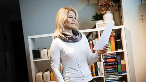 Maiju Rihtniemi pyörittää kotoaan käsin sekä lakiasiaintoimistoa että verkostomarkkinointia.