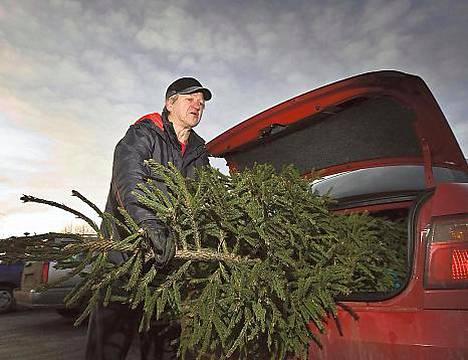 Henkilöautoista tulee taas puutavaran kuljetusautoja