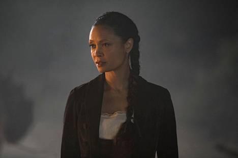 Maeve (Thandie Newton) on yksi kuudennen jakson tärkeimmistä hahmoista.