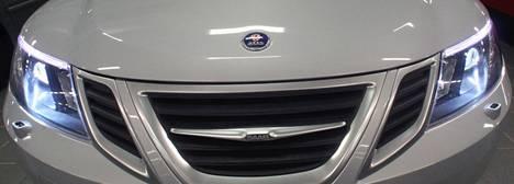 Autovalmistaja Saabin kaatuminen on johtanut oikeusjuttuun ja miljardivaatimuksiin. Kuvassa Saab 9-3-automalli.