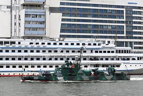 Venäjän Kaspianmeren laivaston Šmel-luokan tykkivene purjehti tiistaina Rostovissa Donilla kohti Mustanmeren sotaharjoitusta.