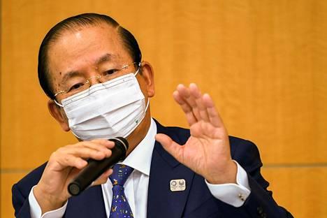 Tokion olympiakisojen järjestäjäorganisaation toimitusjohtaja Toshiro Muto kertoi maanantaina, että ulkomailta tulevat vapaaehtoistyöntekijät eivät pääse kisoihin tiettyjä poikkeuksia lukuun ottamatta. Myös urheilijoiden perheet eivät todennäköisesti saa tulla Japaniin. Kuva viime viikon torstailta.