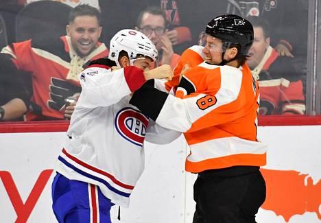 Montreal Canadiensin Jesperi Kotkaniemi ja Philadelphia Flyersin Robert Hagg tappelivat tammikuussa Wells Fargo Centerissä.