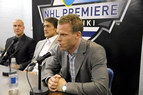 Saku Koivu osallistui NHL-avauksen tiedotustilaisuuteen Teemu Selänteen ja Toni Lydmanin kanssa.