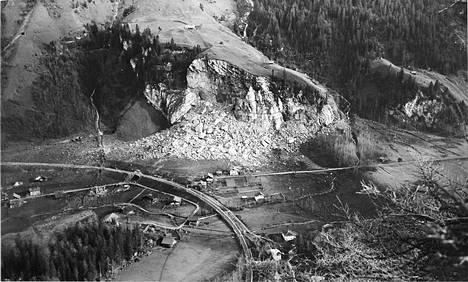 Tältä Mitholzin asevarikolla joulukuussa 1947 tapahtuneen räjähdyksen jäljet näyttivät tammikuussa 1948.