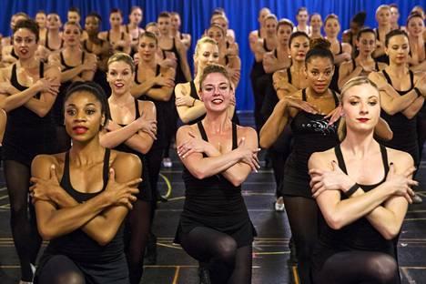 Tanssiryhmä Radio City Rockettes harjoitteli jouluohjelmaansa New Yorkissa lokakuussa 2015.