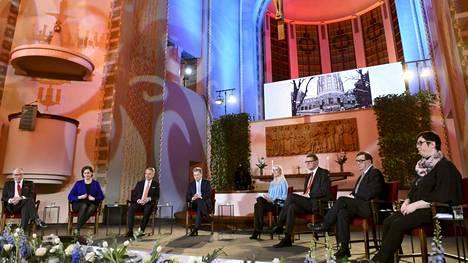Presidenttiehdokkaat kokoontuivat vaaliväittelyyn Kallion kirkkoon sunnuntaina.