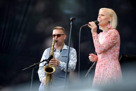Jukka Perko ja Aili Ikonen tulkitsevat Dusty Springfieldin tunnetuksi tekemiä kappaleita.