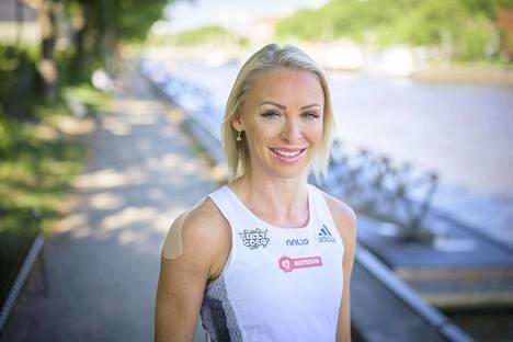 Anni-Mari Korte Paavo Nurmi Games -yleisurheilukisojen lehdistötilaisuudessa kesäkuussa.