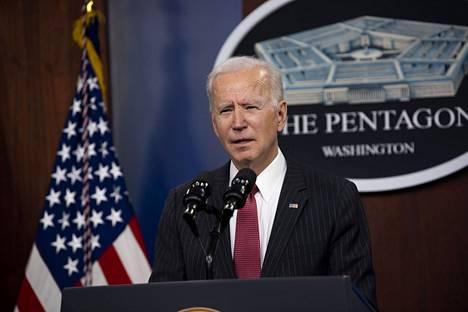 Yhdysvaltojen presidentti Joe Biden puhui Pentagonissa 10. helmikuuta.