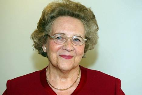 Ministeri Marjatta Väänänen vuonna 2002.