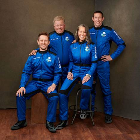 Glen de Vries (right), Audrey Powers, William Shatner and Chris Boshuizen will travel to space on Wednesday.