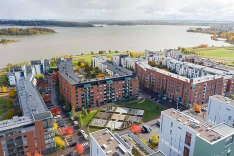 Suurin osa Hekan vuokra-asunnoista sijaitsee Itä-Helsingissä, mutta kohteita on myös kantakaupungissa. Arabianrannan asuintalot valmistuivat Gunnel Nymanin kadulle vuonna 2004.