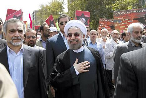 Iranin tuore presidentti Hasan Ruhani esiintyi julkisesti vuosittain vietetävällä Qudsin päivänä perjantaina 2. elokuuta. Ruhani vannoo virkavalansa sunnuntaina Iranin parlamentissa.