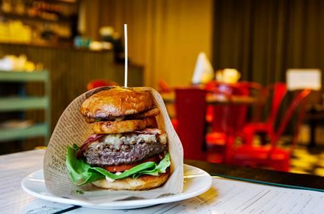 Laatuburgereita saa myös Hans Välimäen Midhill-ravintoloista.
