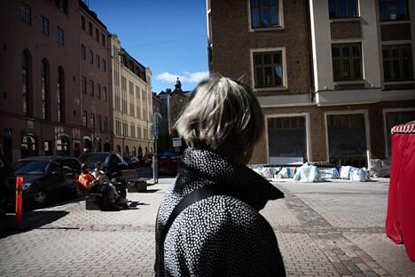 Viiskulmalainen ikäihminen Eeva-Liisa Näsi osallistui Helsingin kaupungin Omastadi-projektiin ja ehdotti Fredrikintorin kunnostusta.