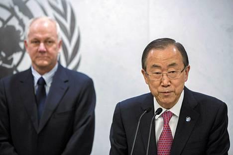 YK:n pääsihteeri Ban Ki-moon puhui torstaina YK:n raportista, jonka kokosi taustalla seisova Åke Sellström. Sellström johti YK:n asetarkastusryhmää Syyriassa.