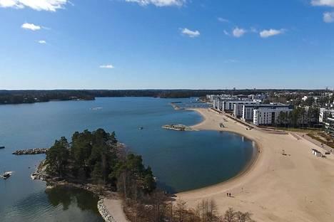 Vuosaaren Aurinkolahtikin on Itä-Helsinkiä.