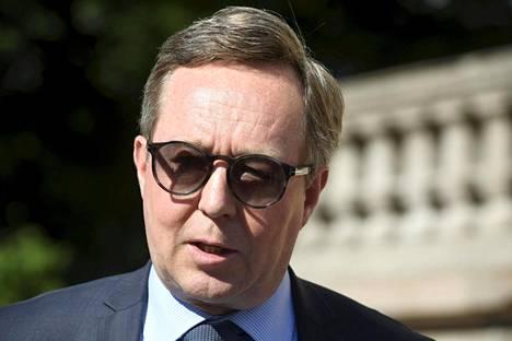 Elinkeinoministeri Mika Lintilä Säätytalolla kesäkuussa.