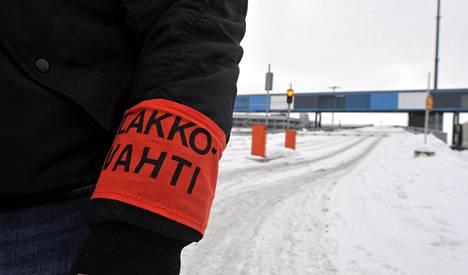 Auto- ja kuljetusalan ammattijärjestö AKT ja Rakennusliitto pitävät työnseisauksen perjantaina 2. helmikuuta aktiivimallia vastaan.