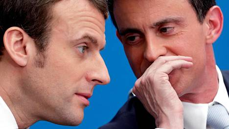Entinen pääministeri, sosialistien Manuel Valls (oik.) on kertonut Emmanuel Macronille halukkuudestaan pääministeriksi. Kuva vuodelta 2015.