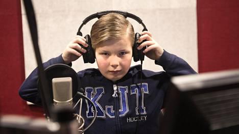 Luca Vierillä ei ole ikinä ollut huonoa päivää ääninäyttelijän työssään. Usein matkalla töihin hän kuuntelee hyvää musiikkia ja rentoutuu.