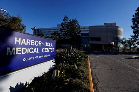 Tiger Woodsia hoidetaan Harbor-UCLA Medical Center -sairaalassa Kalifornian Torrancessa.