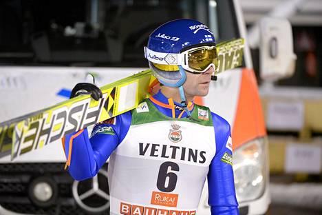 Janne Ahonen Rukan maailmancupin kilpailussa 27. marraskuuta 2014.