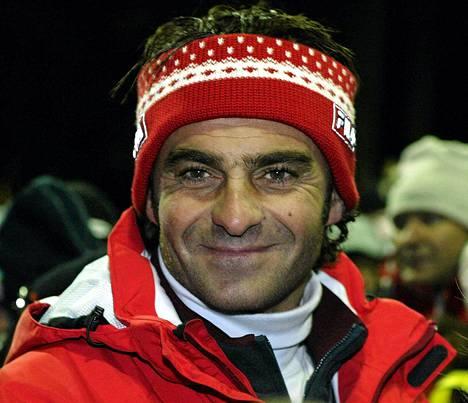 Kolminkertainen olympiavoittaja Alberto Tomba pyrkii saamaan alppihiihdon vuoden 2019 MM-kisat Italiaan.