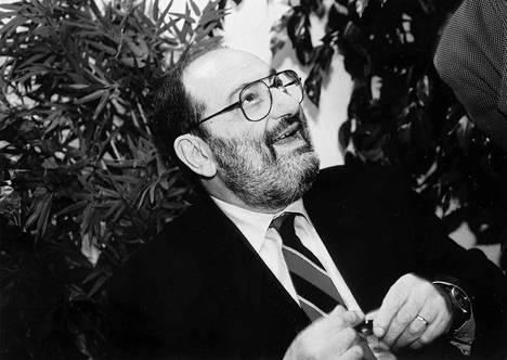 Umberto Eco Göteborgin kirjamessuilla vuonna 1995.