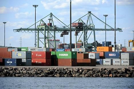 Tammi–maaliskuussa tavaratuonti oli 688 miljoonaa euroa suurempi kuin vienti.