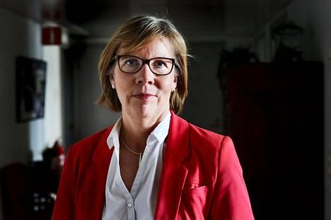Oikeusministeri Anna-Maja Henriksson kertoi tuoreesta lakiesityksestä keskiviikkona.