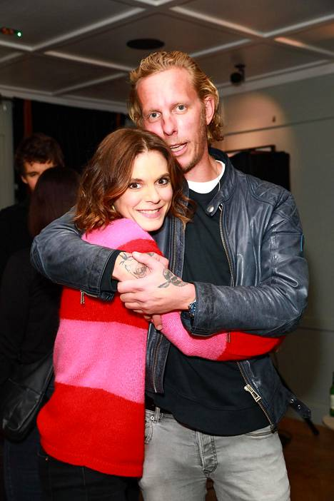 Laurence Fox with her cousin, actress Emilia Fox at a London club in November 2019 celebrating Laurence Fox's latest album.  The Foxes are a famous English actor family.