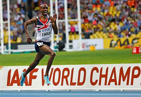 Britanninan Mohamed Farah juoksi miesten 5000 metrin voittoon Moskovassa perjantaina.