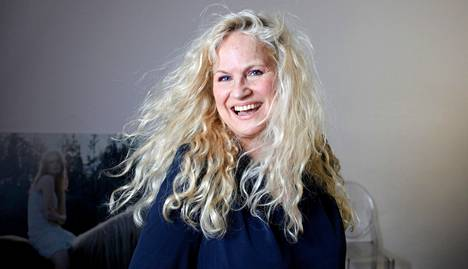 Mallitoimisto Modelboomin johtaja Jaana Ukkola ei suosittele mallinuran aloittamista liian nuorena.